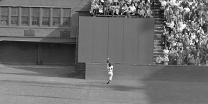 UNITED STATES - SEPTEMBER 29: From the book New York Exposed. Willie Mays' famous eighth inning catch going away from home plate in the first game of the 1954 World SEries between the New York Giants and the Cleveland Indians. (Photo by Frank Hurley/NY Daily News Archive via Getty Images)